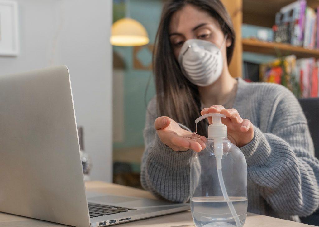 tips memakai masker kesehatan untuk kulit berjerawat
